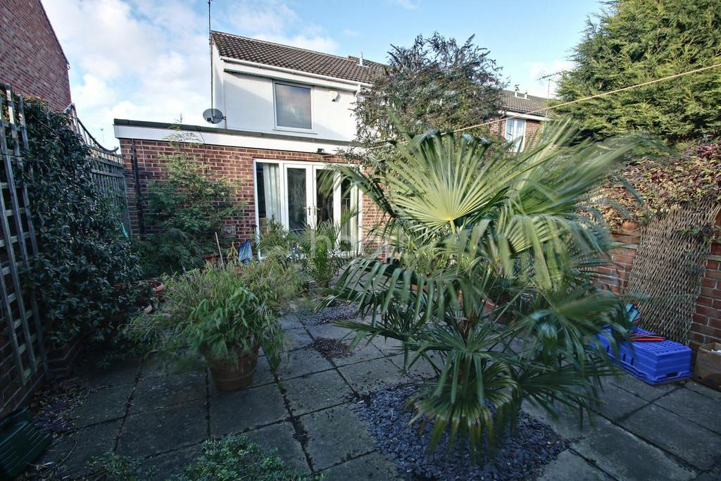 3 Bedrooms Semi Detached House for sale in Pieris Drive, Barton Green, Nottingham