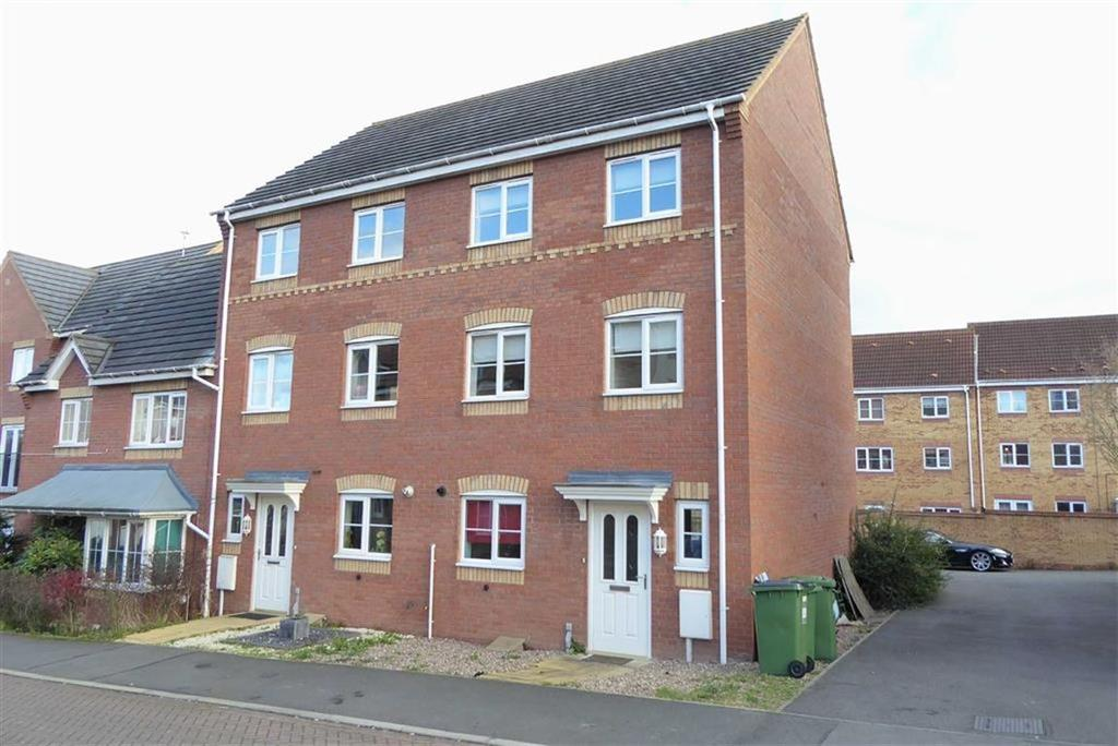 4 Bedrooms Semi Detached House for sale in Wellingar Close, Leicester