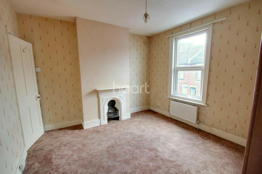 3 Bedrooms Terraced House for sale in Church Street, Rochester, ME1