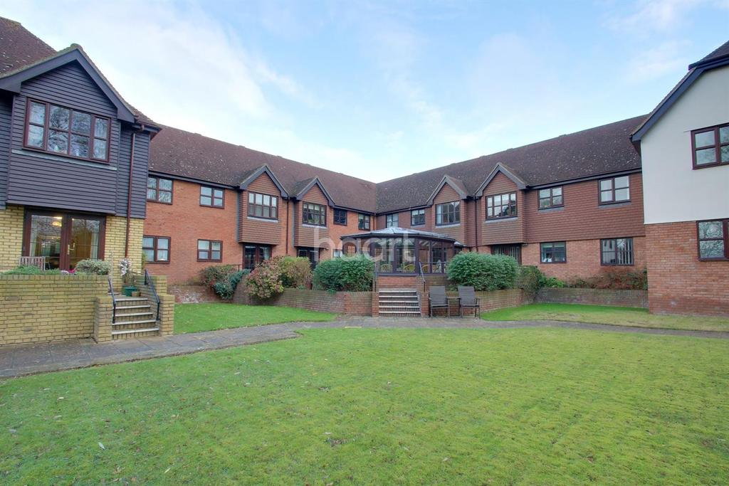 1 Bedroom Flat for sale in Willow Grange, Hoo, ME3