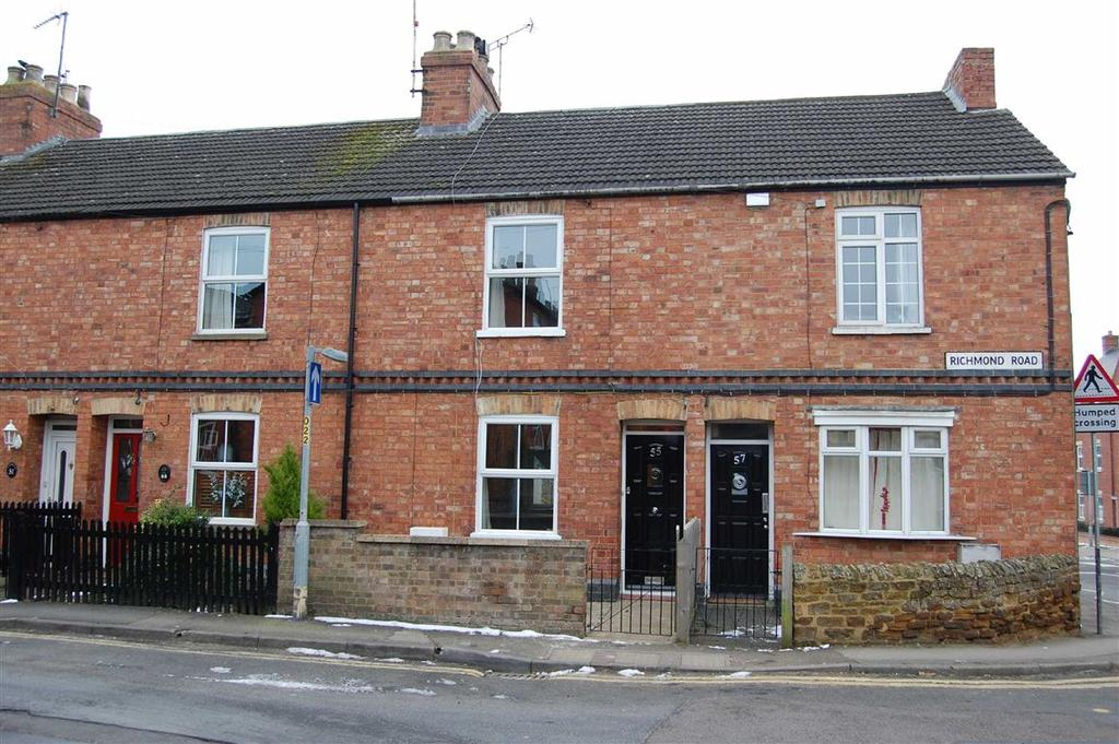 2 Bedrooms Terraced House for rent in Richmond Road, Towcester