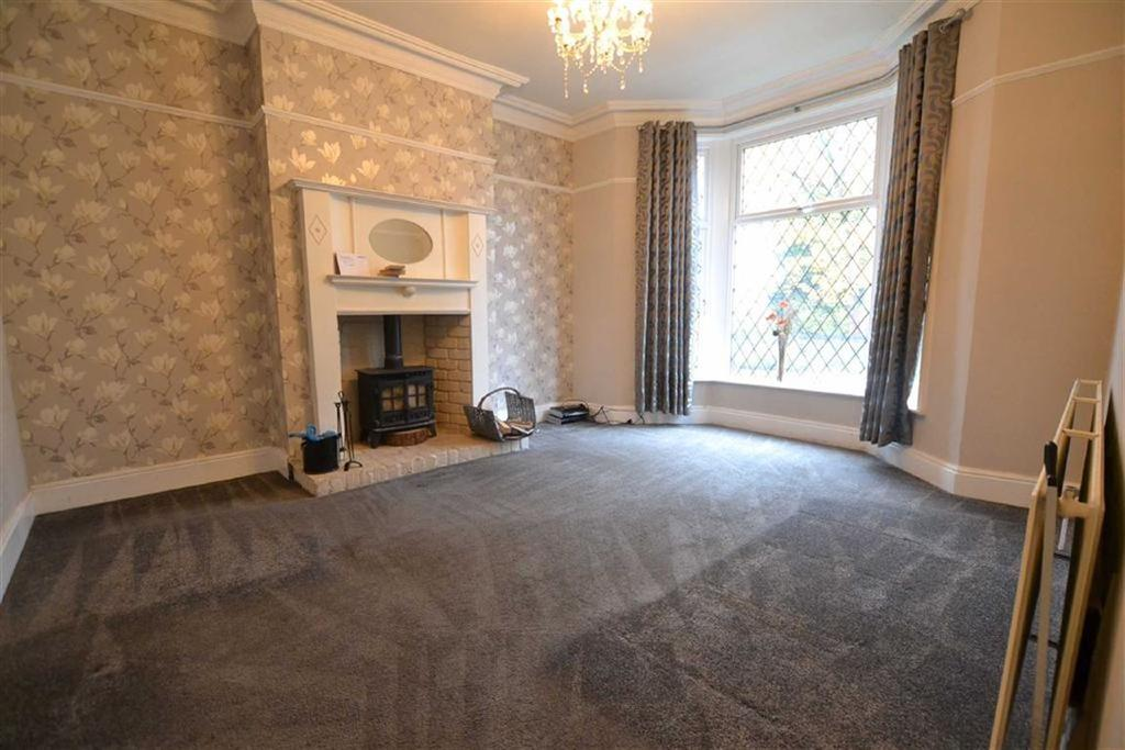 5 Bedrooms Terraced House for sale in Todmorden Road, Burnley, Lancashire