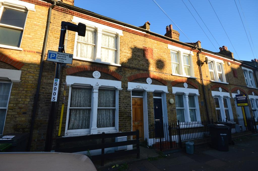 2 Bedrooms Terraced House for sale in Wildfell Road London SE6