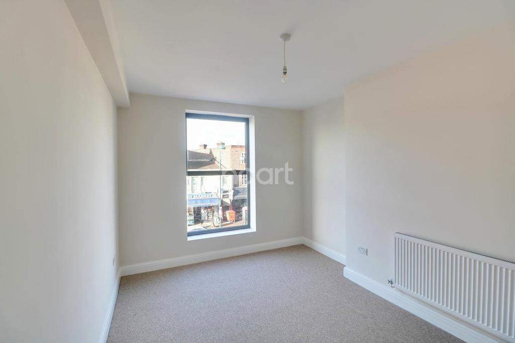 2 Bedrooms Flat for sale in High Road, Leytonstone