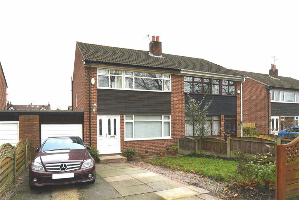 3 Bedrooms Semi Detached House for sale in Railway Road, Manchester