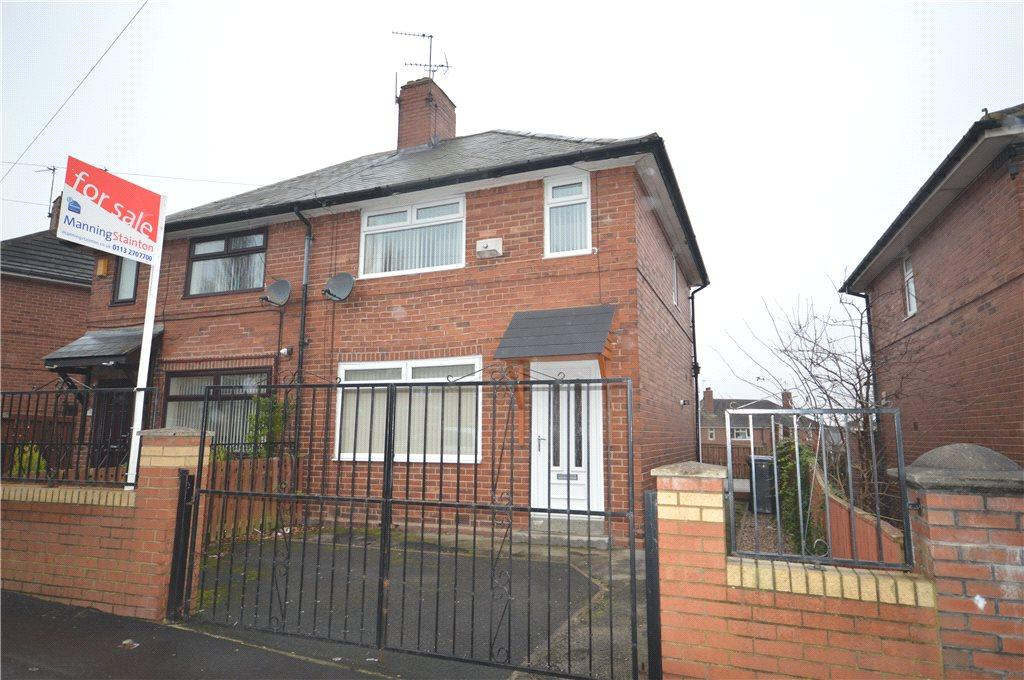 2 Bedrooms Semi Detached House for sale in Winrose Crescent, Leeds, West Yorkshire