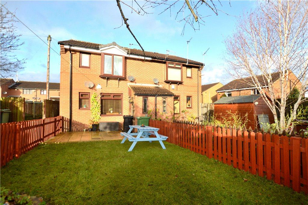 1 Bedroom Apartment Flat for sale in Bransby Court, Farsley, Pudsey, West Yorkshire