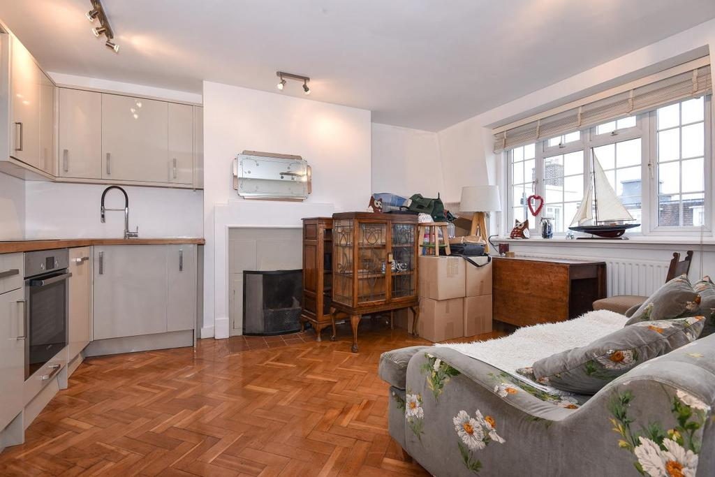 2 Bedrooms Flat for sale in Spencer Road, Raynes Park