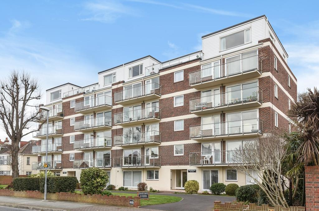 3 Bedrooms Penthouse Flat for sale in Craneswater Park, Southsea, PO4