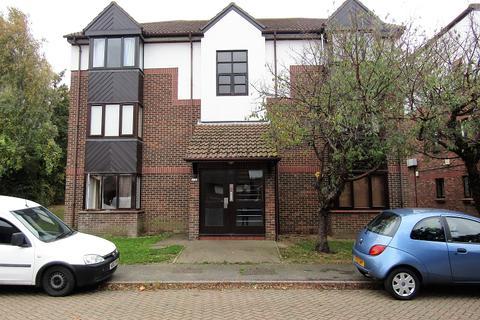 Studio for sale - Talus Close, Purfleet, Essex. RM19 1SF