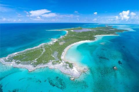 Land  - Spectabilis Island (Halls Pond Cay), The Exuma Cays, Bahamas