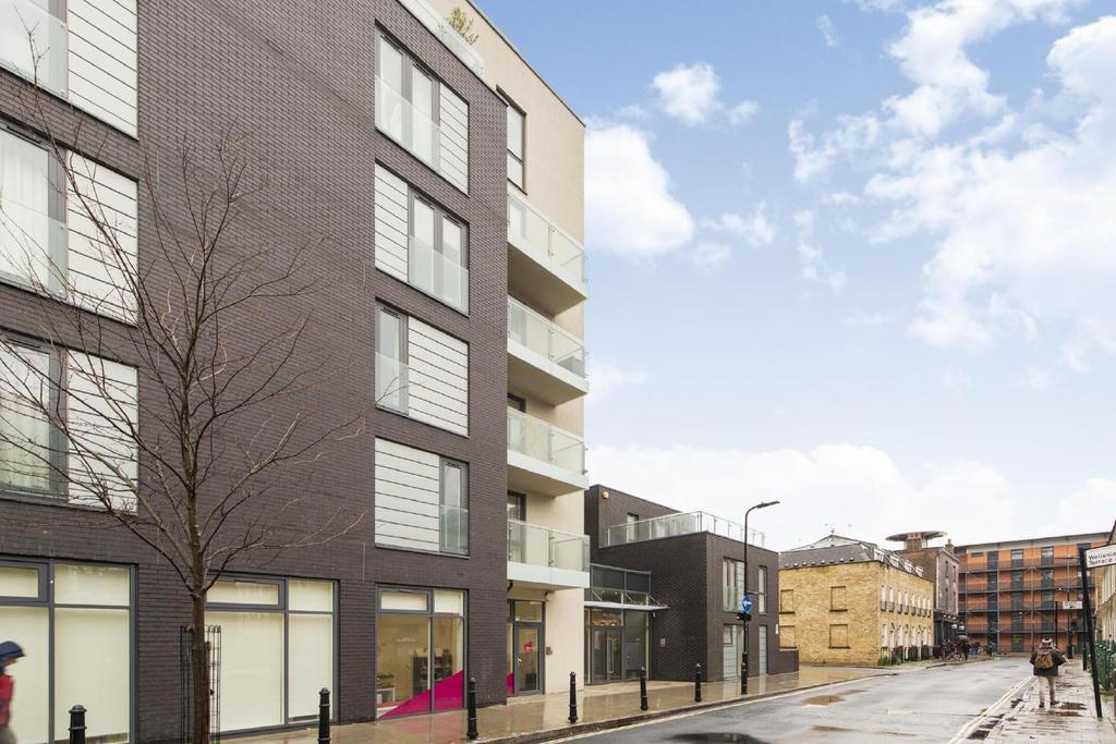 3 Bedrooms Flat for sale in Micawber Street, Clerkenwell