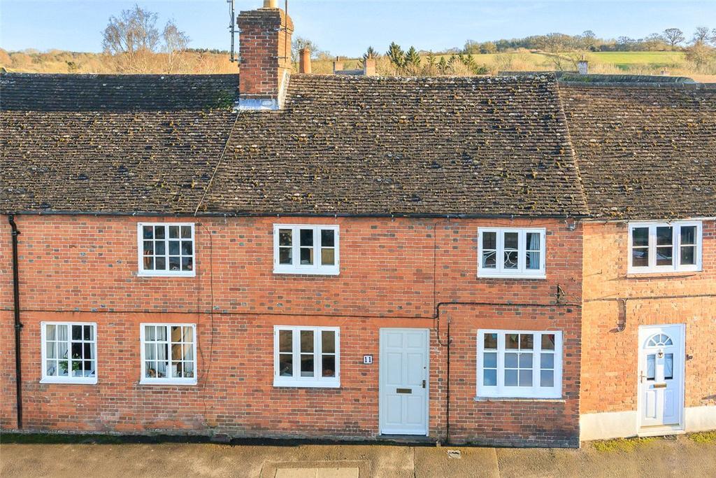 3 Bedrooms Terraced House for sale in Church Street, Great Bedwyn, Marlborough, Wiltshire, SN8