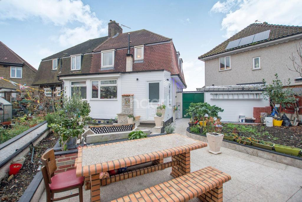 3 Bedrooms Semi Detached House for sale in Grangemill Road, Catford, London, SE6