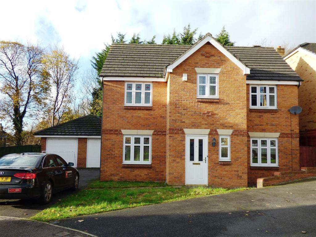 4 Bedrooms Detached House for sale in Forestdale Way, Shipley, BD18 1QP