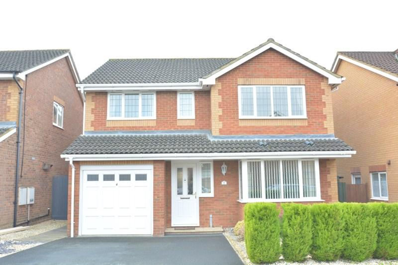 4 Bedrooms Detached House for sale in Flint Close, Andover