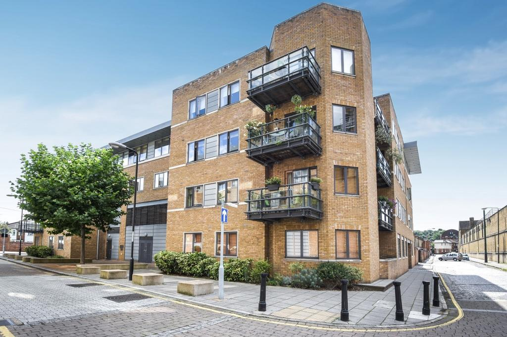 2 Bedrooms Flat for sale in Pipers House Collington Street SE10