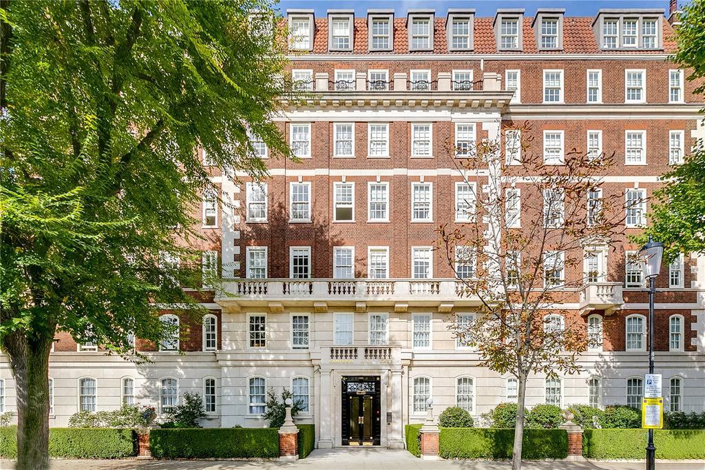 3 Bedrooms Flat for sale in Duchess Of Bedford's Walk, Kensington, London