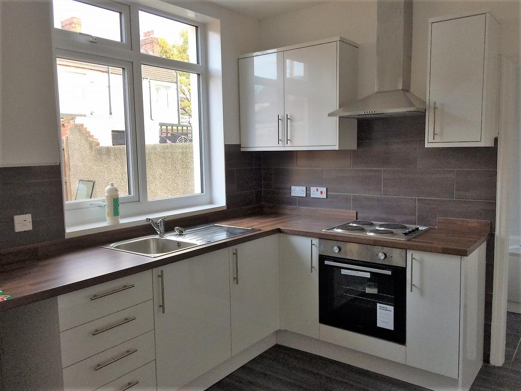 3 Bedrooms Terraced House for rent in Nesham Road, Middlesbroug TS1
