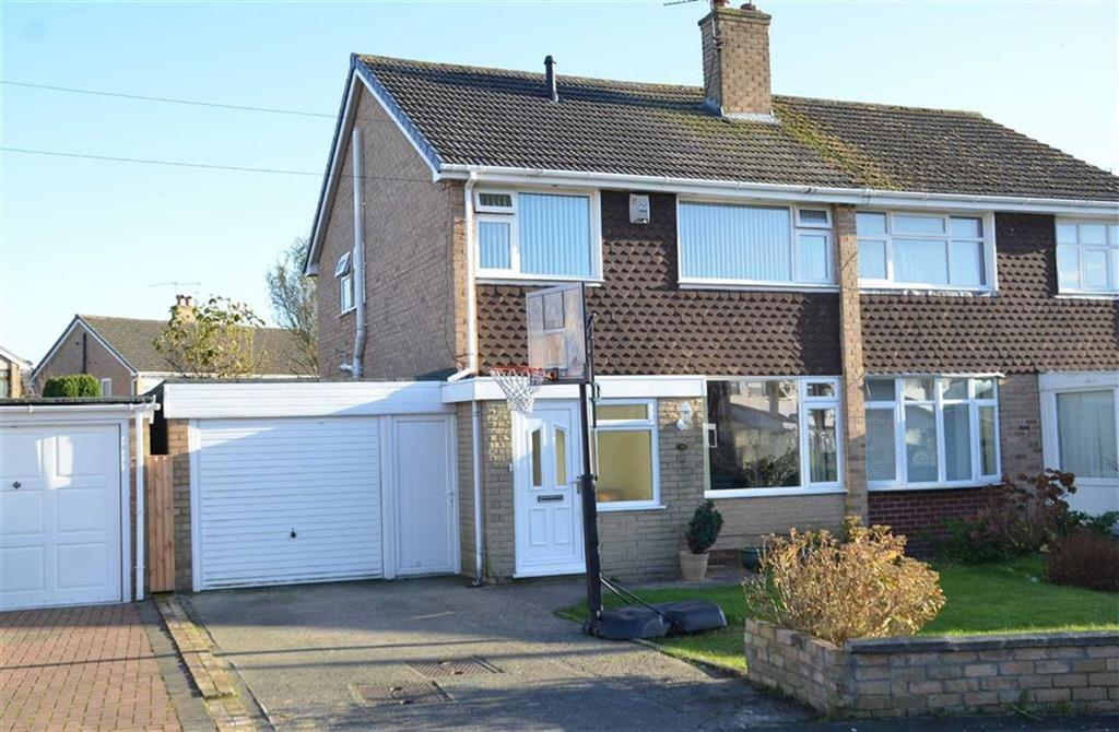 3 Bedrooms Semi Detached House for sale in Debra Road, Great Sutton, CH66