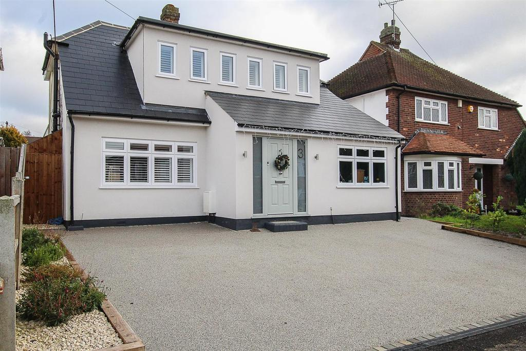 3 Bedrooms Detached House for sale in Selwood Road, Brentwood