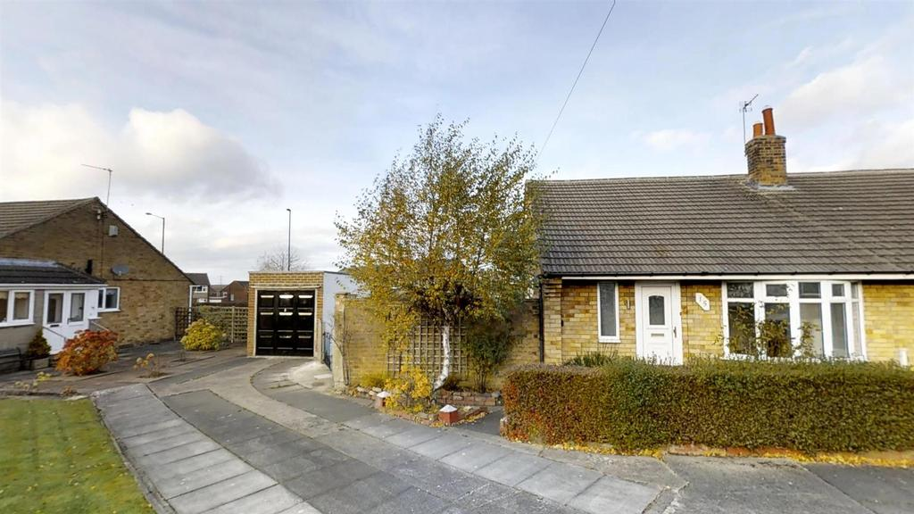 2 Bedrooms Semi Detached Bungalow for sale in Ovingham Gardens, Wideopen, Newcastle Upon Tyne