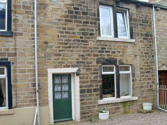 2 Bedrooms Cottage House for rent in Gelderd Road, Birstall, BATLEY, West Yorkshire
