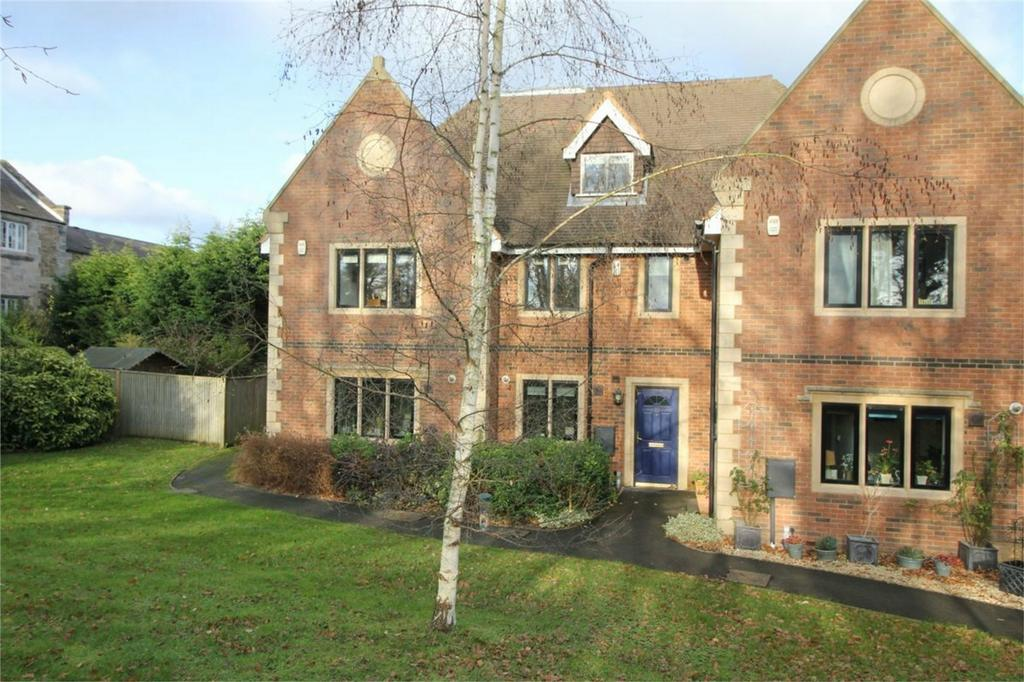 4 Bedrooms Terraced House for sale in 10 Sunny Rise, BATTLE, East Sussex