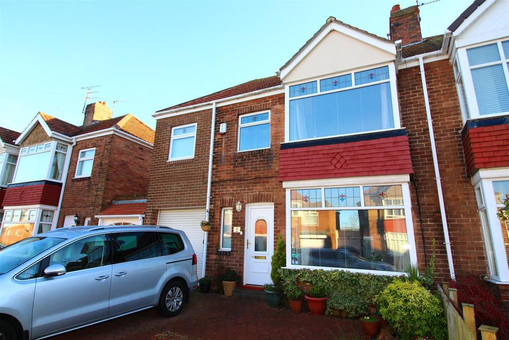 3 Bedrooms Semi Detached House for sale in Marina Drive, Whitley Bay