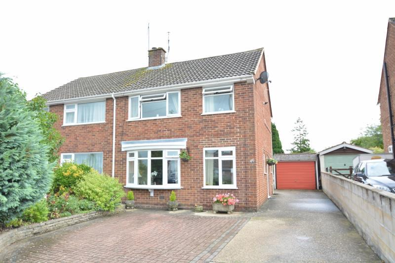 3 Bedrooms Semi Detached House for rent in Valencia Way, Andover, SP10 1JH