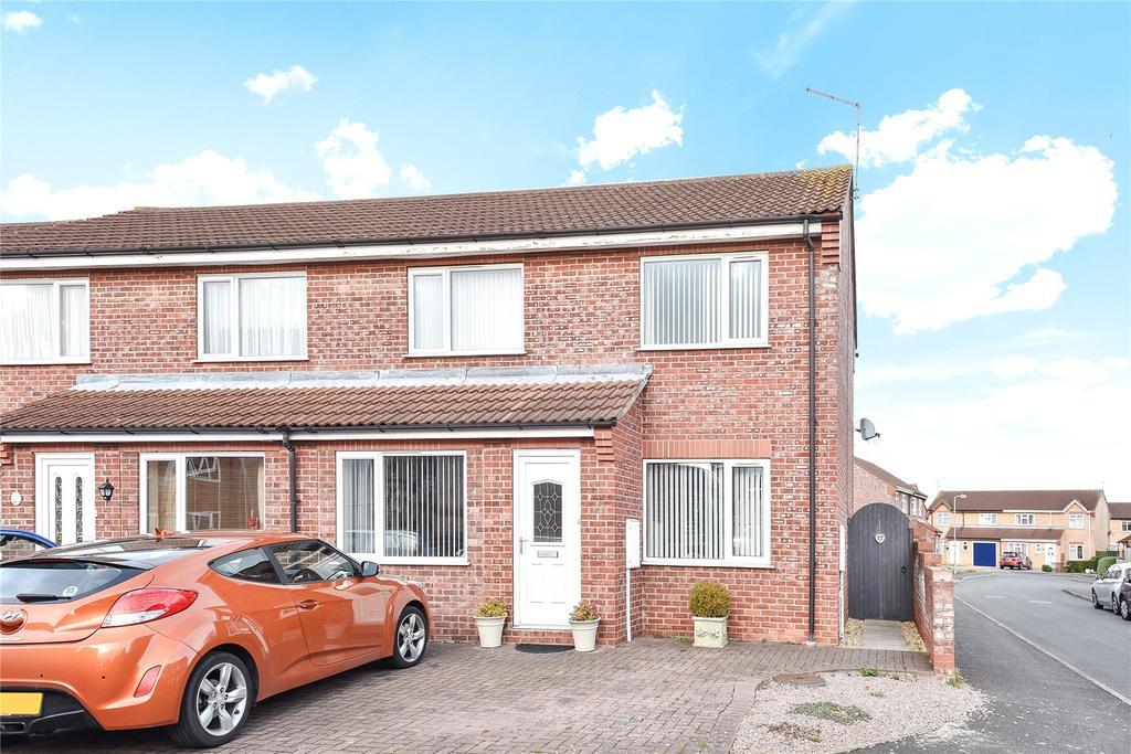 3 Bedrooms Semi Detached House for sale in Cypress Close, Sleaford, NG34