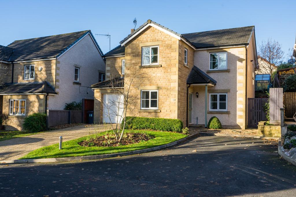 4 Bedrooms Detached House for sale in 10 Croftland Gardens, Bolton Le Sands, Carnforth, Lancashire, LA5 8FB