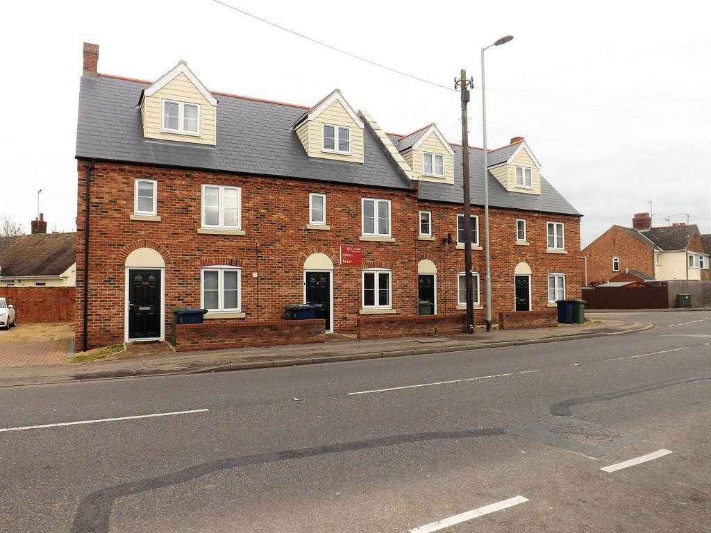 3 Bedrooms Terraced House for sale in Leverington Road, Wisbech