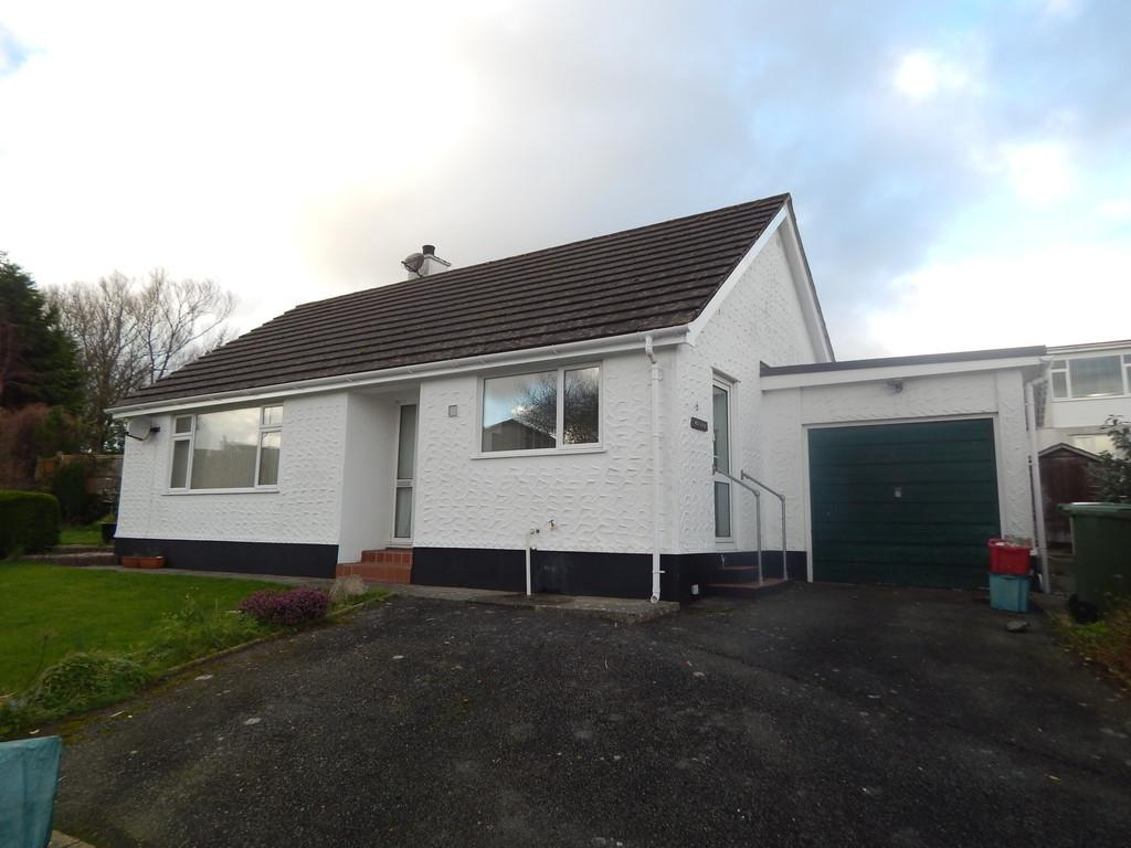 2 Bedrooms Detached Bungalow for rent in Tyddyn Fadog Estate, Tyn-Y-Gongl