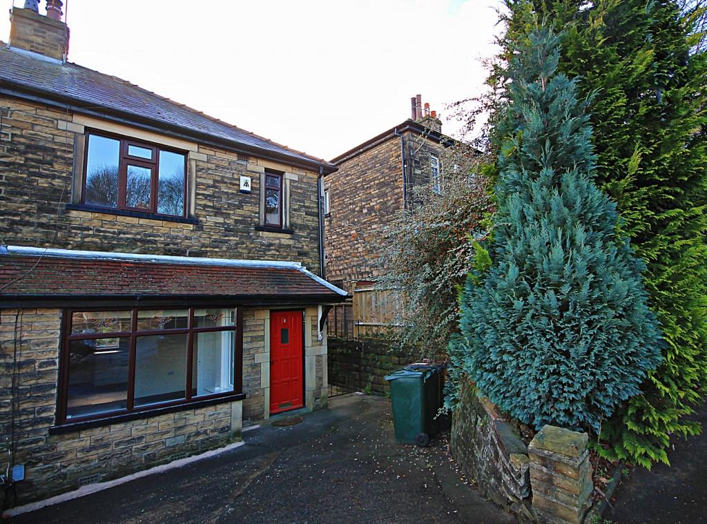 3 Bedrooms Semi Detached House for rent in Rockcliffe Avenue, Baildon