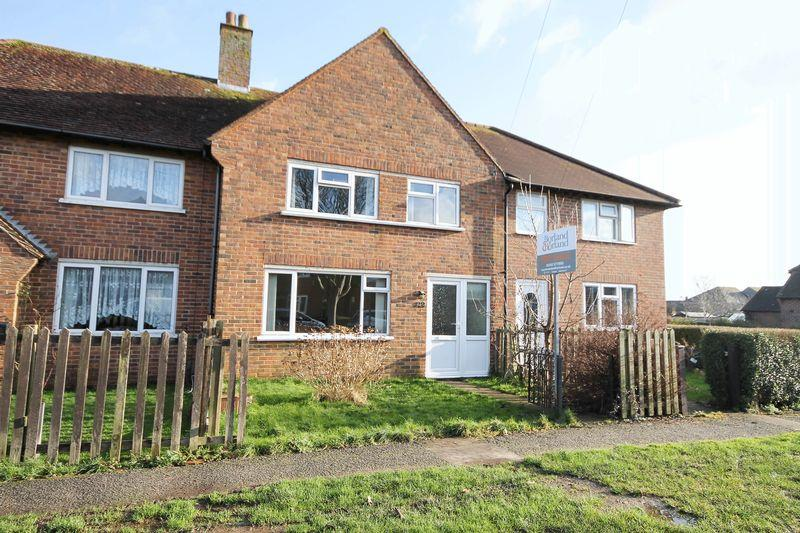 3 Bedrooms Semi Detached House for sale in Clovelly Road, Southbourne
