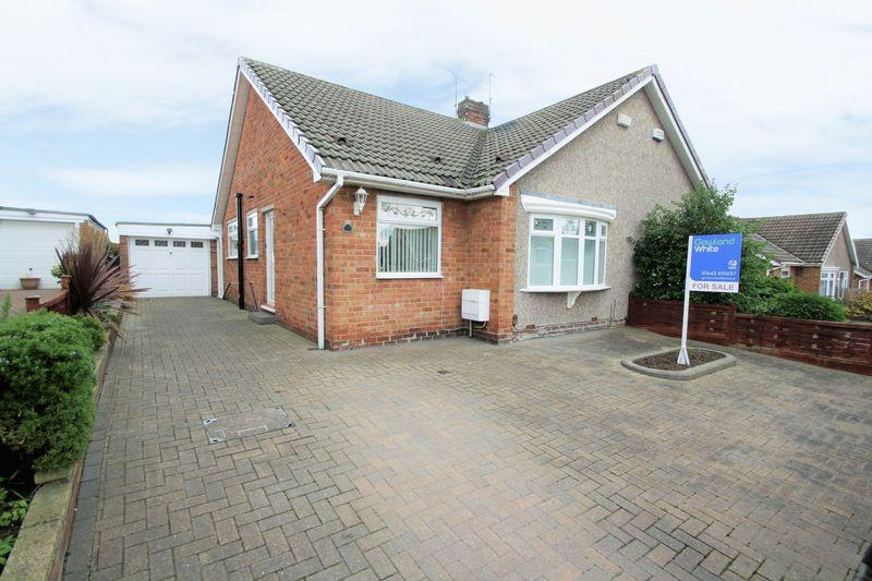 2 Bedrooms Semi Detached Bungalow for sale in Welldale Crescent, Fairfield, Stockton, TS19 7HU