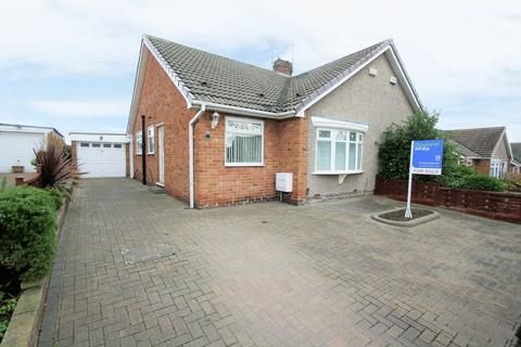 2 bedroom semi-detached bungalow for sale - Welldale Crescent, Fairfield, Stockton, TS19 7HU