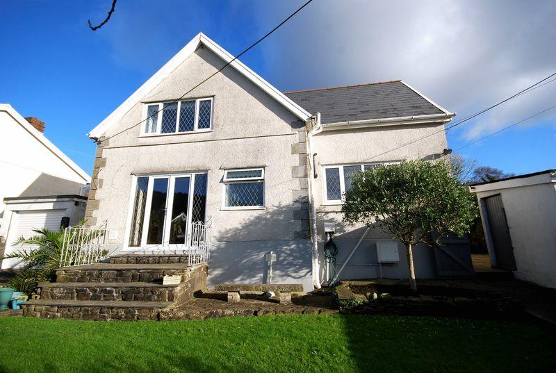3 Bedrooms Semi Detached House for sale in 24a Fforest Hill, Aberdulais SA10 8HD