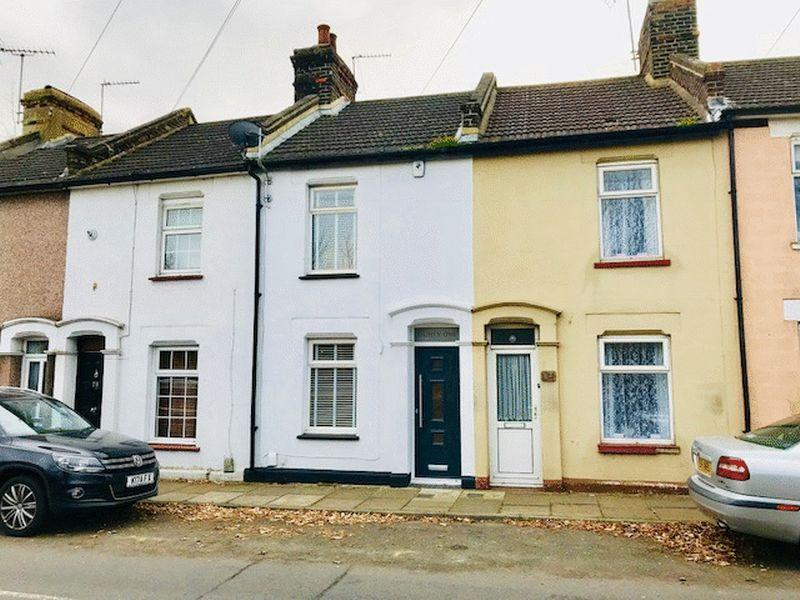2 Bedrooms Terraced House for sale in Dover Road East, Gravesend