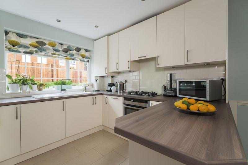 2 Bedrooms End Of Terrace House for sale in Webb Road, Blackheath, SE3