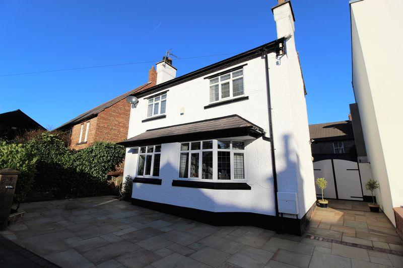 3 Bedrooms Detached House for sale in Rocky Lane South, Heswall