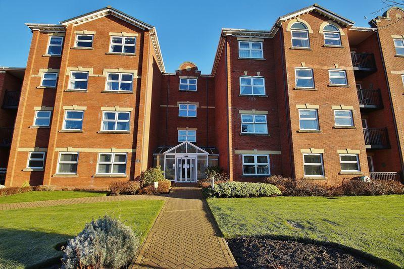 2 Bedrooms Apartment Flat for sale in Park Road West, Southport