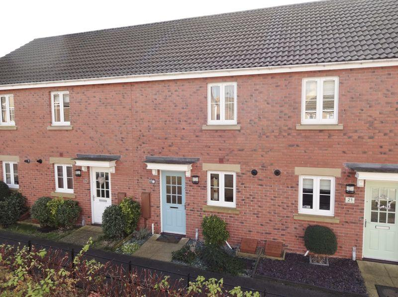 2 Bedrooms Terraced House for sale in Lapwing Close, Oakley Vale, Corby