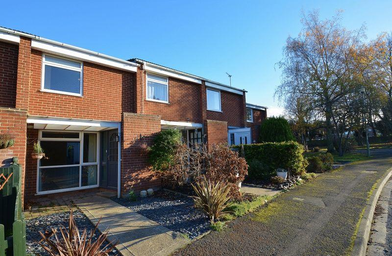 2 Bedrooms Terraced House for sale in Simmons Way, Thame