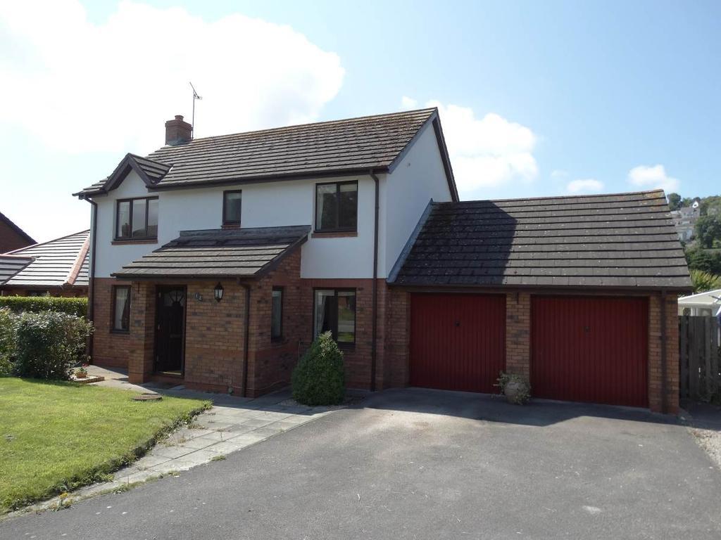4 Bedrooms Detached House for sale in 12 Plas Penrhyn, Penrhyn Bay, LL30 3EU