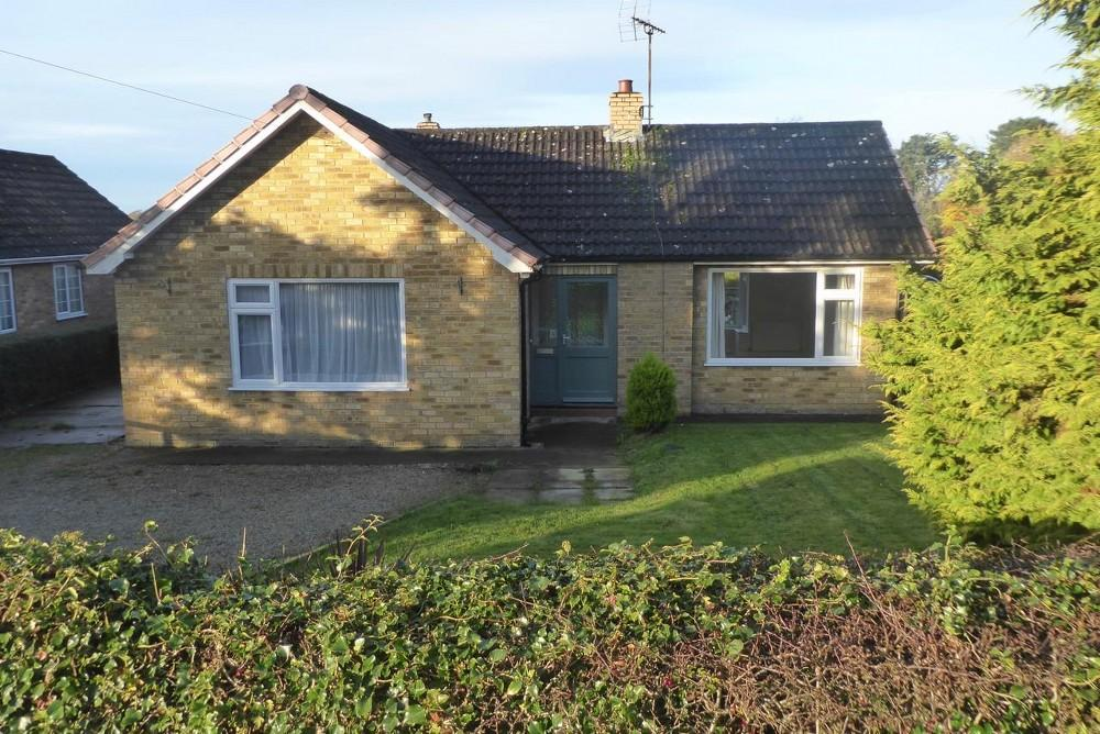 2 Bedrooms Detached Bungalow for sale in Rockley, Keldholme, Kirkbymoorside, YO62 6ND