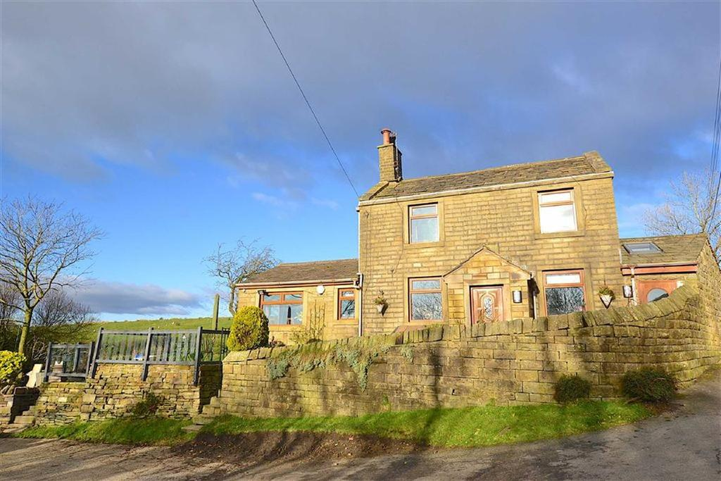 4 Bedrooms Detached House for sale in Todmorden Road, Briercliffe, Lancashire