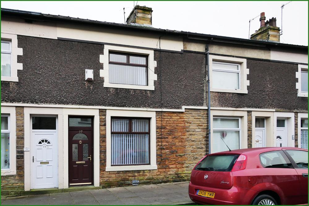 2 Bedrooms Terraced House for sale in 37 Colin Street, Barnoldswick, BB18 5EW