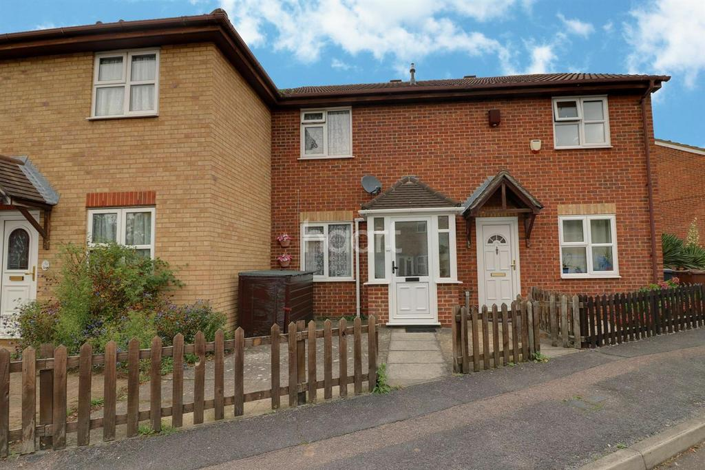 2 Bedrooms Terraced House for sale in Webbscroft Road, Dagenham